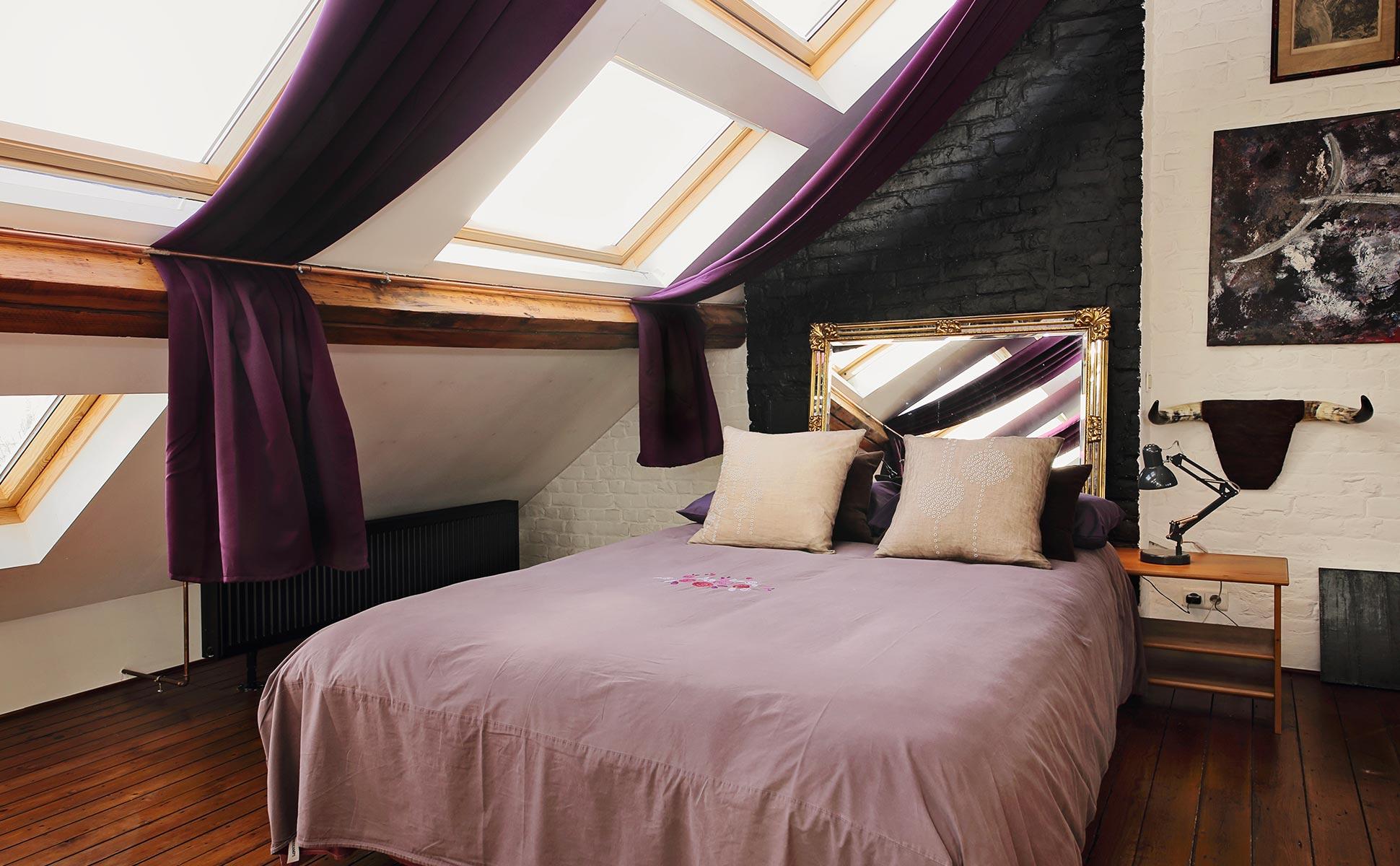 Aménagement de comble : création d'une chambre avec fenêtres de toit