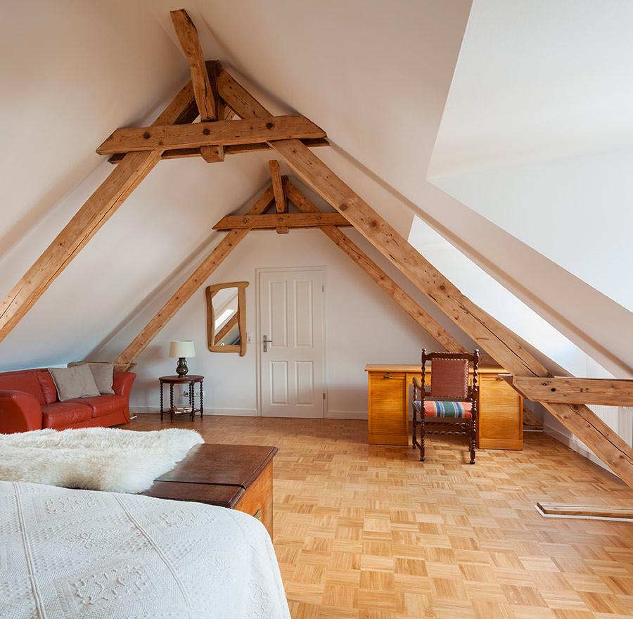Aménagement d'une chambre dans les combles d'une maison